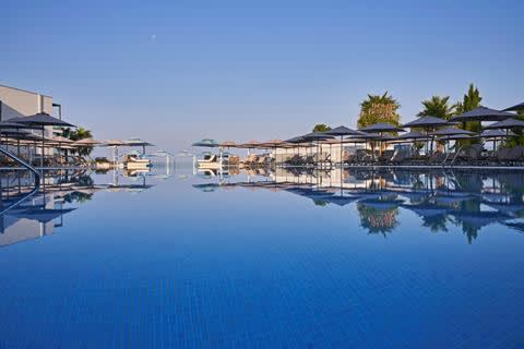 Goedkope familievakantie West Cyprus - TUI BLUE Atlantica Mare Village Paphos