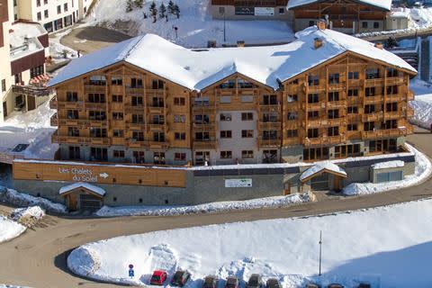 wintersport-franse-alpen-residence-cgh-les-chalets-du-soleil-vertrek-17-april-2021(542)