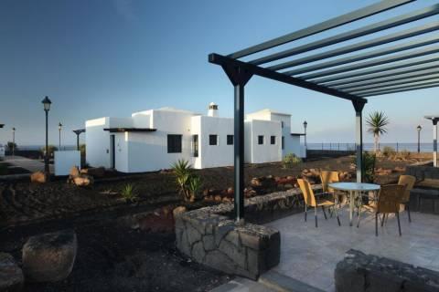 Goedkope voorjaarsvakantie Lanzarote - VIK Villas Coral Beach