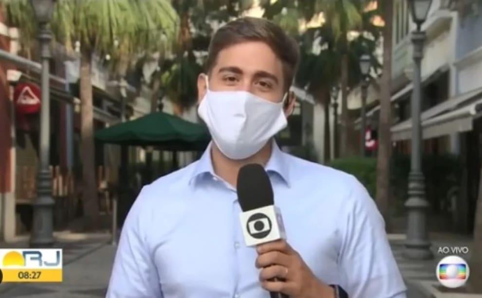 Repórter Erick Rianelli durante passagem de TV
