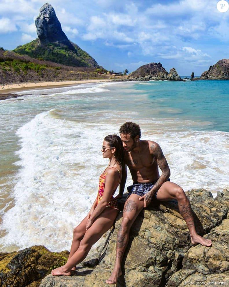 Bruna e Neymar na praia