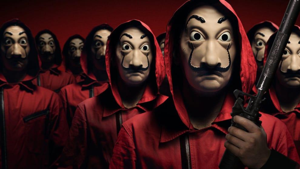 Várias pessoas uniformizadas como os assaltantes.