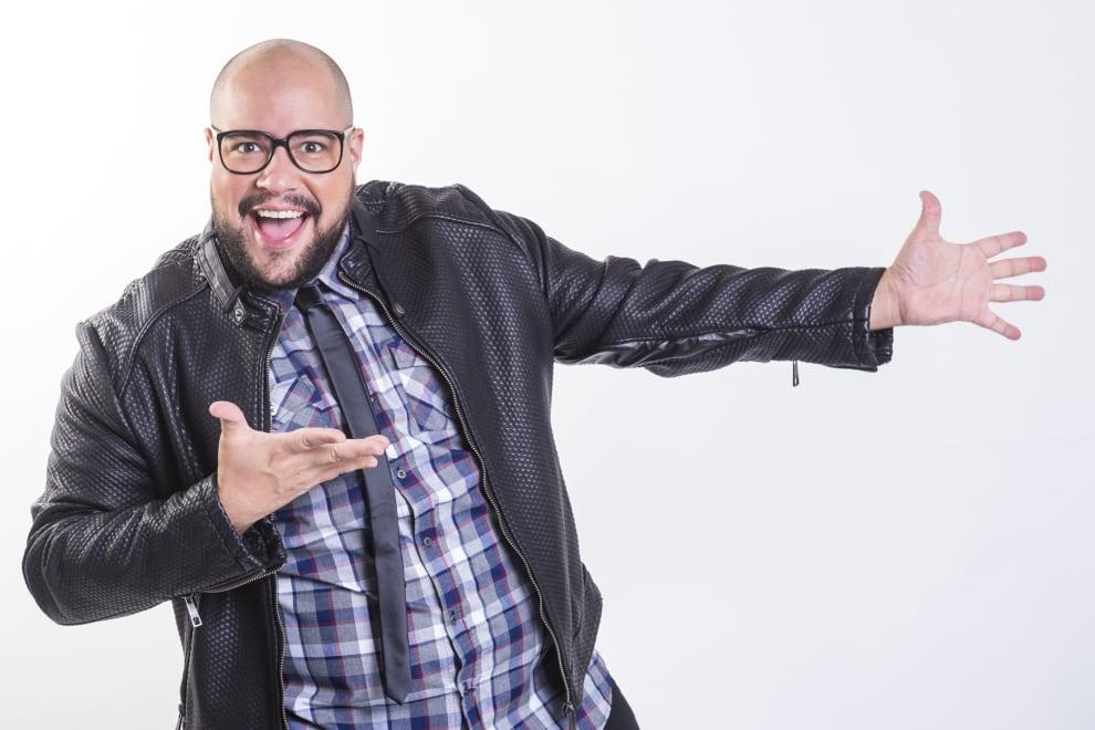 O ator, cantor e apresentador Tiago Abravanel