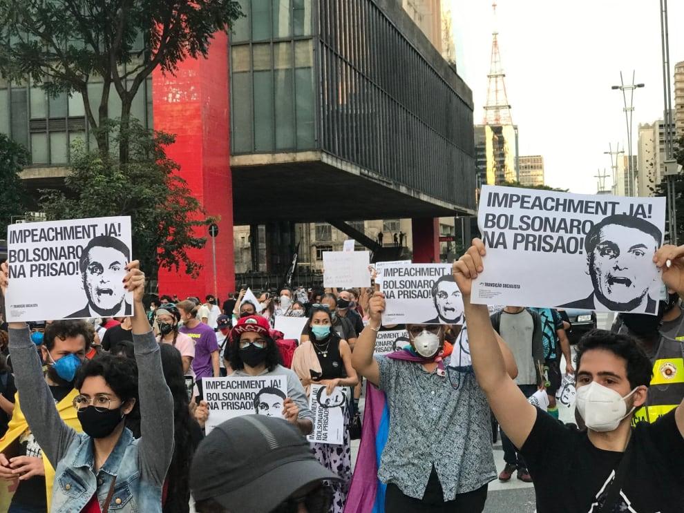 Manifestante em protesto contra Bolsonaro