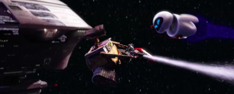 Wall-E e Eva flutando sozinhos no espaço