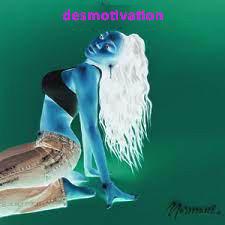 """Capa do single da Normani com a legenda """"desmotivation""""."""