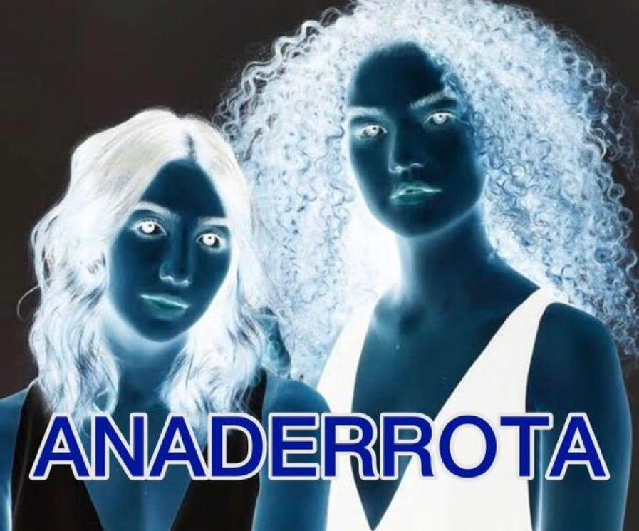 """Foto da dupla Anavitória com a legenda """"anaderrota""""."""