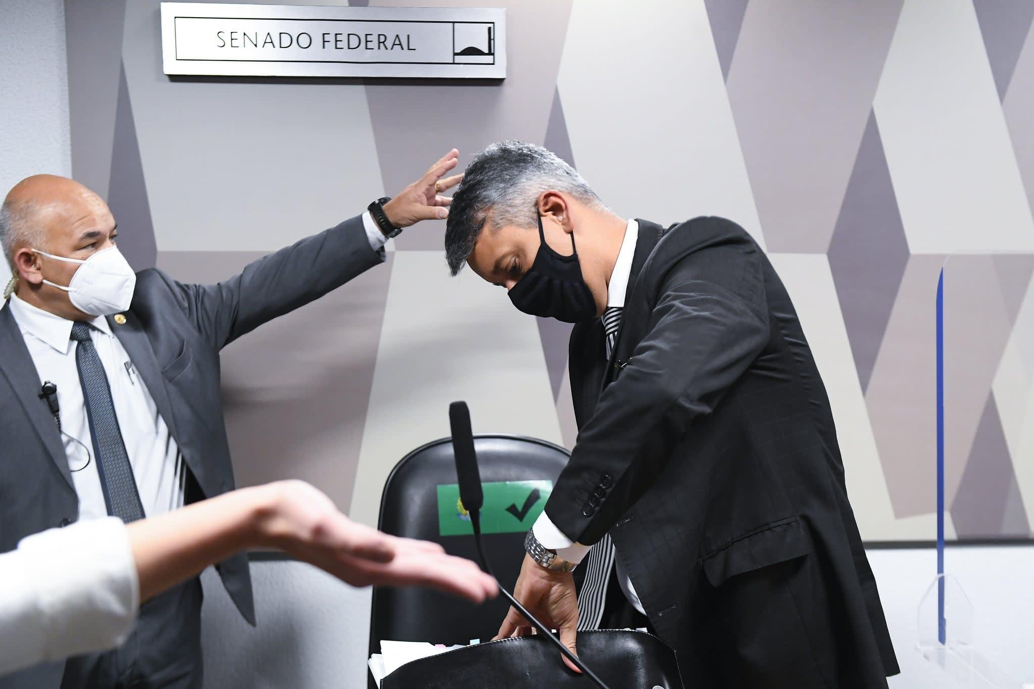 Roberto Dias sendo preso