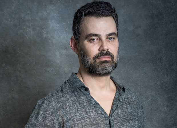 O ator Carmo Dalla Vecchia