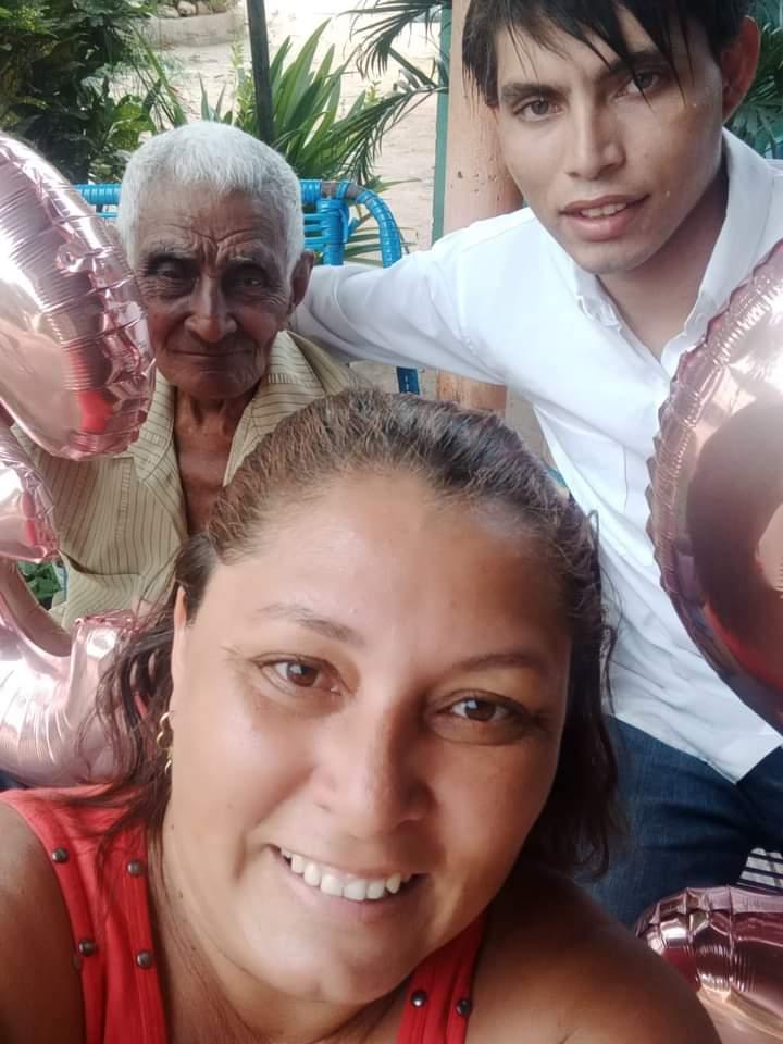 Hamilton, sua mãe e seu avô