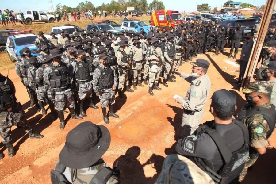 Dezenas de policiais à procura de Lázaro