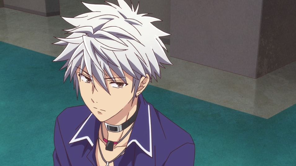 A high school anime character wearing a choker and other necklaces