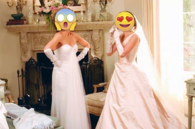 Cena de duas mulheres brigando, ambas estão com vestido de casamento. Uma delas é a noiva.