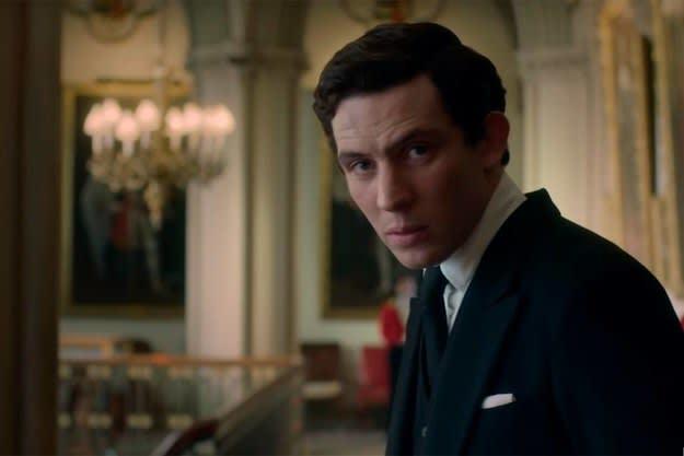 """Charles em cena de """"The Crown""""."""