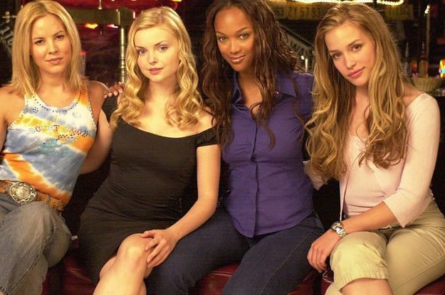 4 girls in a movie about a bar