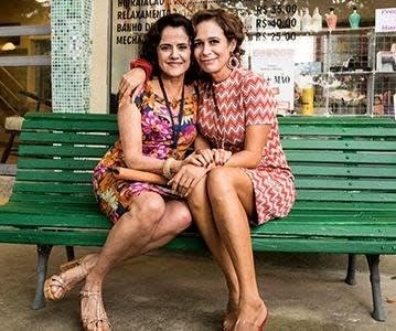 """Imagem da Dona Nenê junto com Marilda, de """"A Grande Família""""."""
