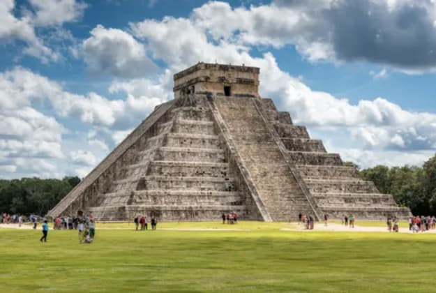A pyramid-like temple from the Mayans