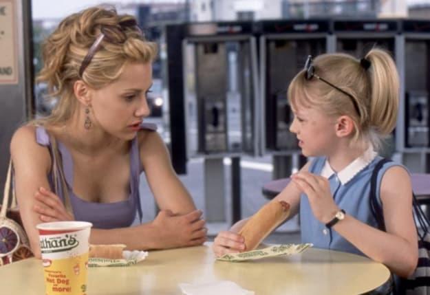 """Cena do filme """"Grande Menina, Pequena Mulher""""."""