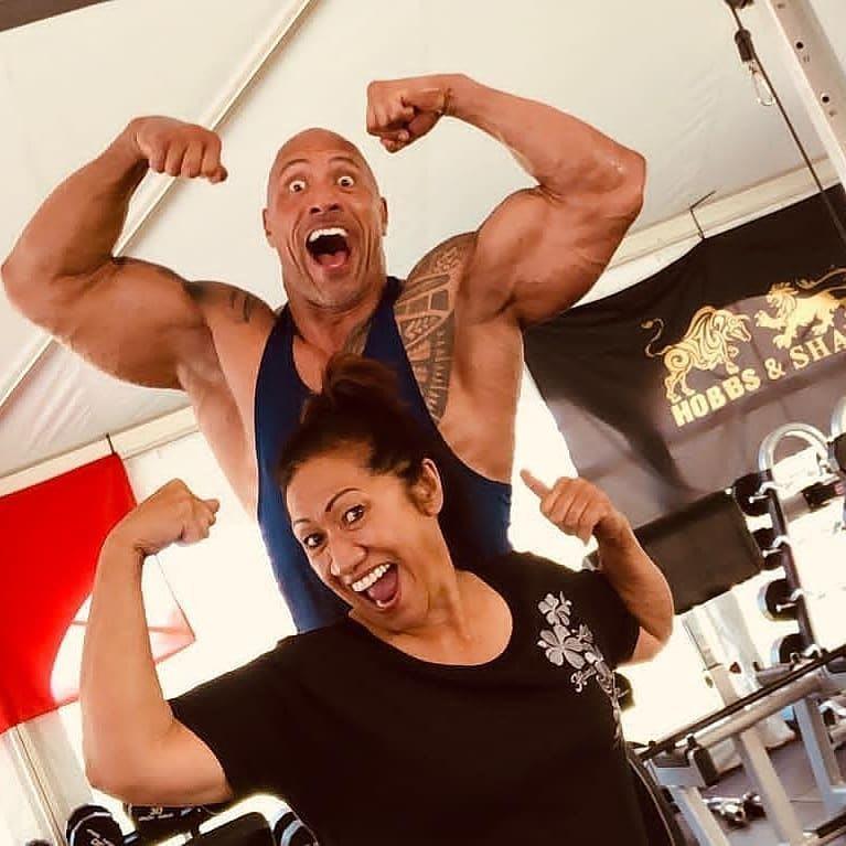 the rock e sua mãe