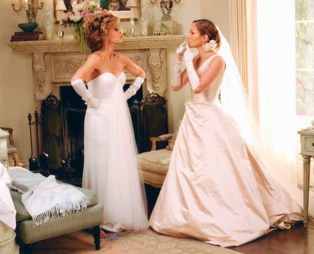 Viola e Charlotte brigam no casamento de Charlotte.