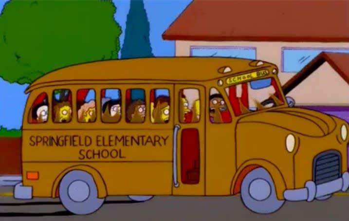 """O ônibus escolar dos """"Simpsons"""" cheio de crianças"""