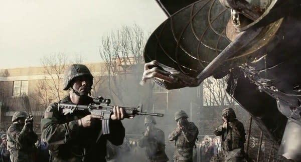 Imagem mostra soldados em uma cena do filme Guerra dos Mundos.
