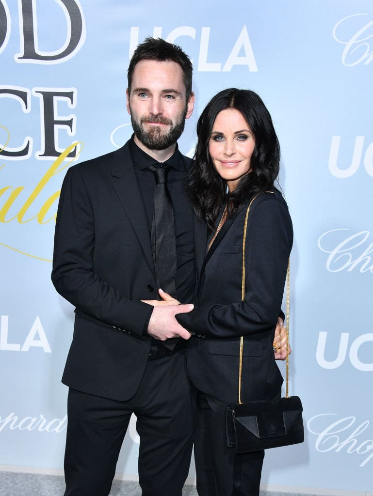 Johnny McDaid and Courteney Cox at a gala