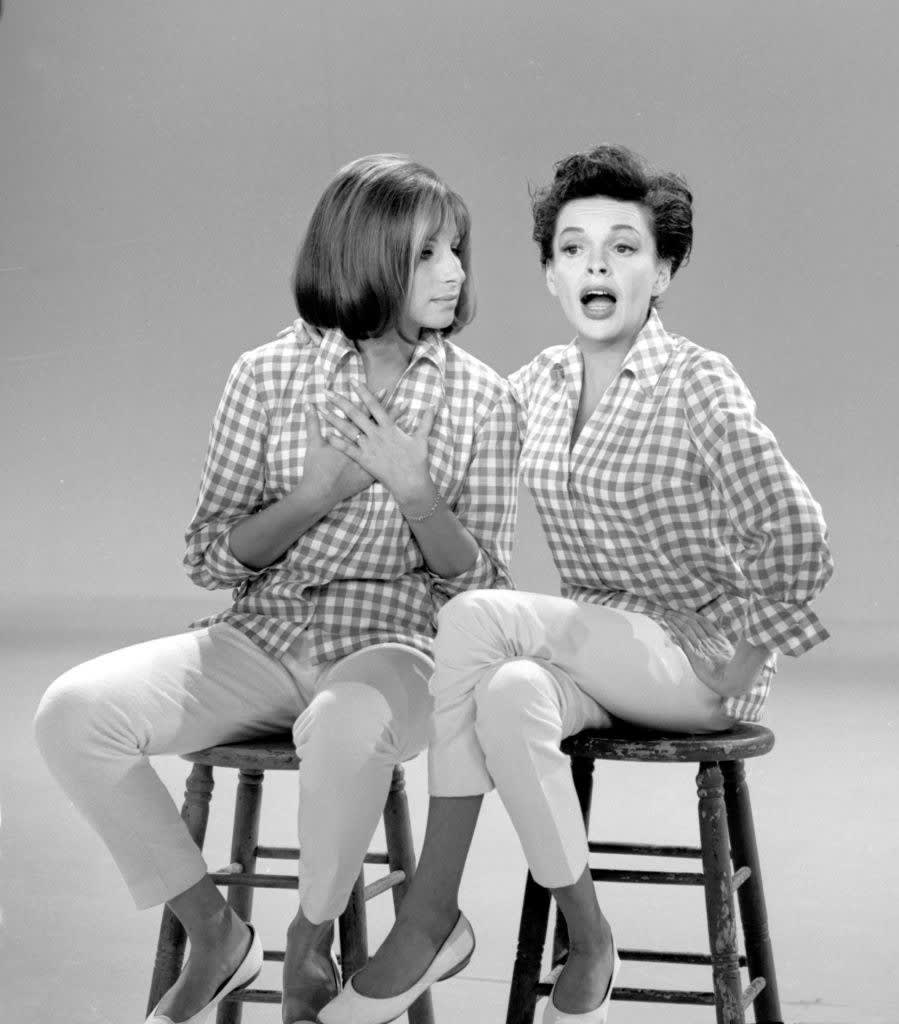 """Barbra Streisand and Judy Garland on """"The Judy Garland Show"""" in 1963"""