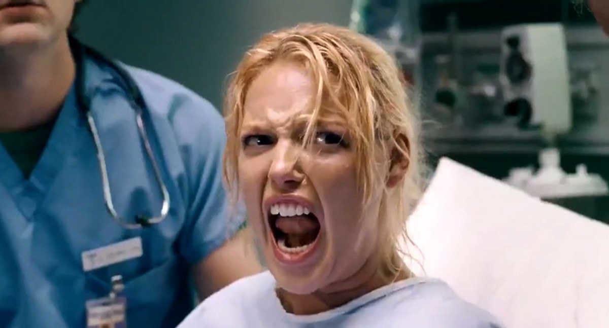 """Katherine Heigl gritando enquanto dá a luz em  """"Ligeiramente Grávidos"""""""