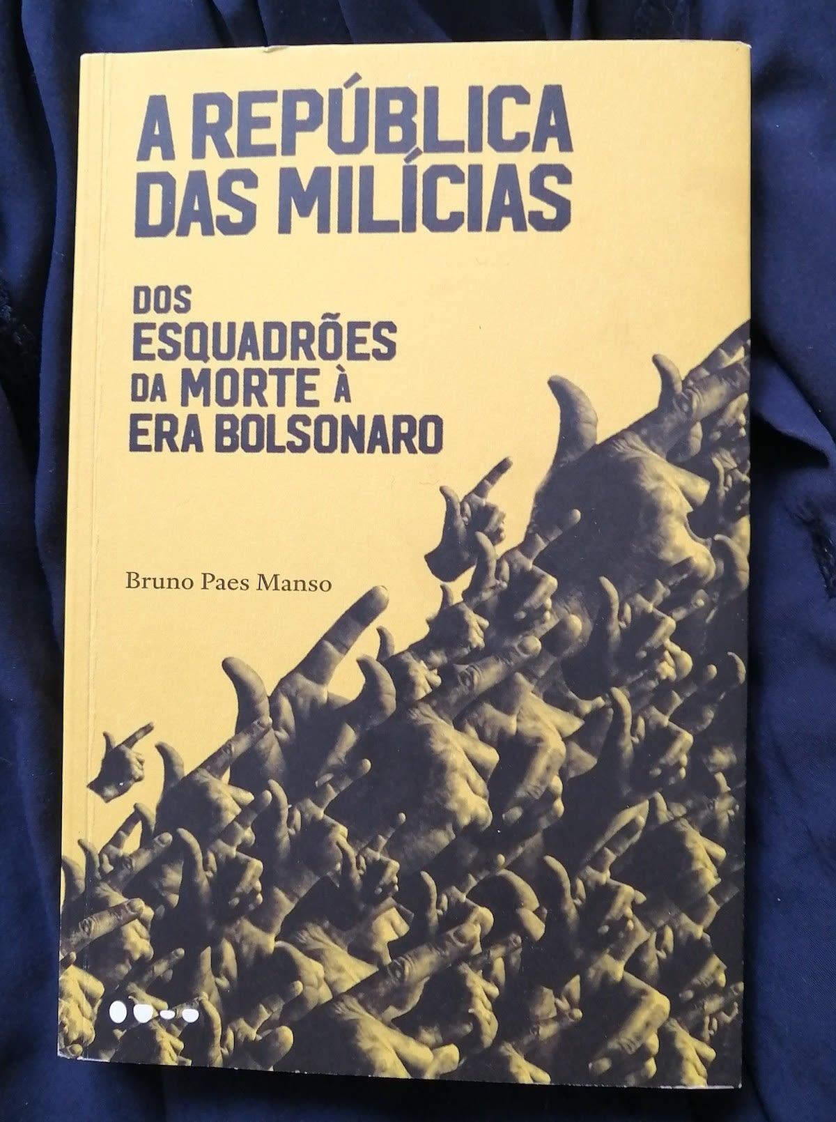 """Capa do livro """"A República das Milícias"""" de Bruno Paes Manso."""