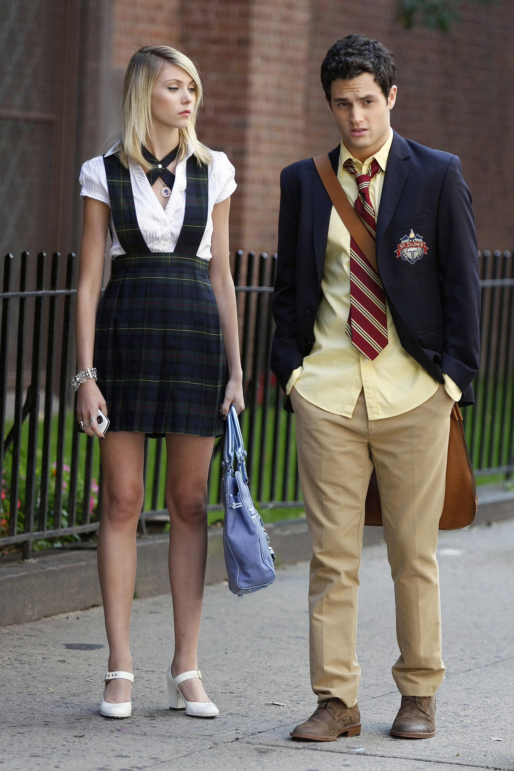 "Taylor Momsen and Penn Badgley on the ""Gossip Girl"" set"