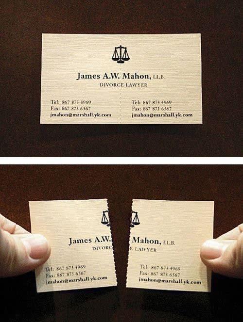 Um cartão de visita de um advogado de divórcio que divide em dois pedaços