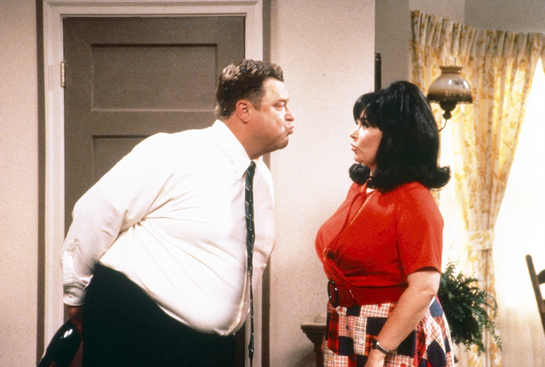 "John Goodman and Roseanne Barr in ""Roseanne"""