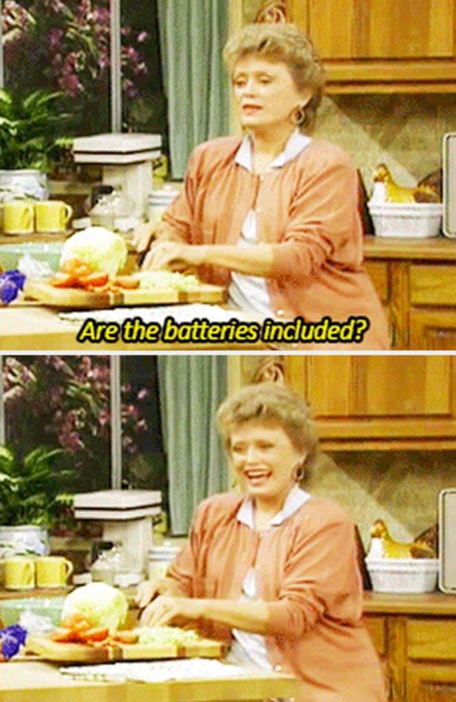 """Blanche de """"The Golden Girls"""" dizendo: """"As baterias estão inclusas?"""""""