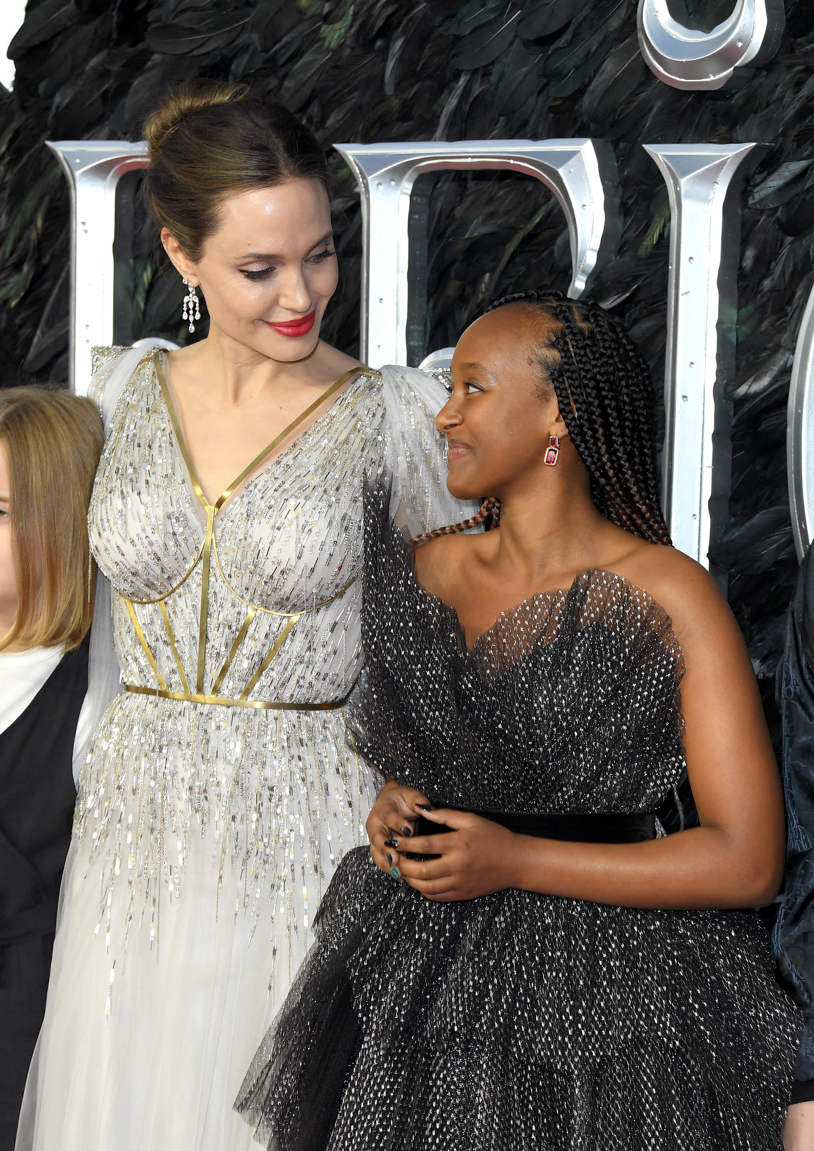 """Angelina Jolie e Zahara Marley Jolie-Pitt  em lançamento de """"Malévola: Dona do mal"""""""