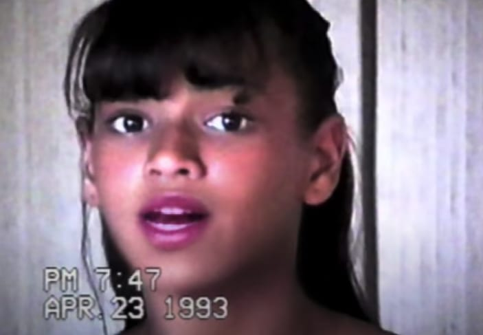 """A video of Beyoncé singing as a teen in the """"Grown Woman"""" music video"""