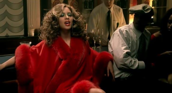 """Foto do clipe de """"Naughty Girl"""" da Beyoncé."""