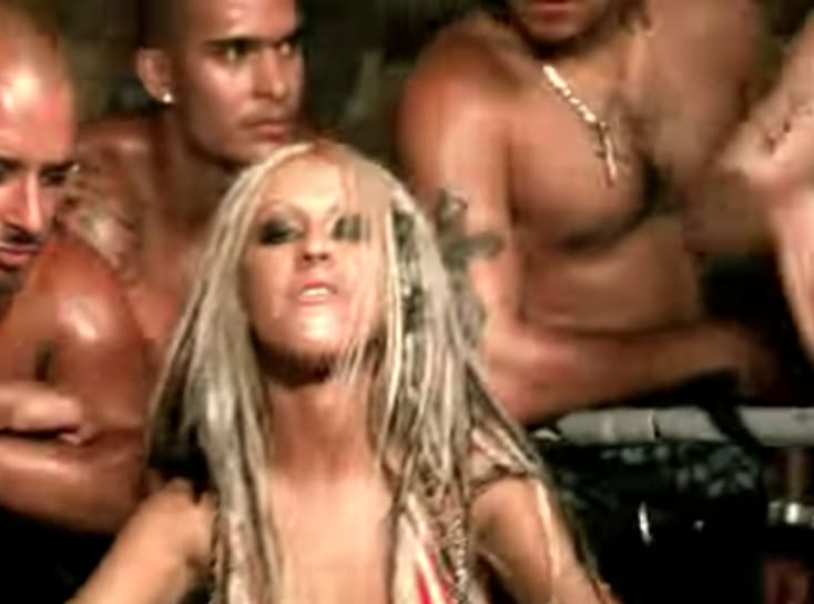 """Foto do clipe """"Dirrty"""" da Christina Aguilera."""