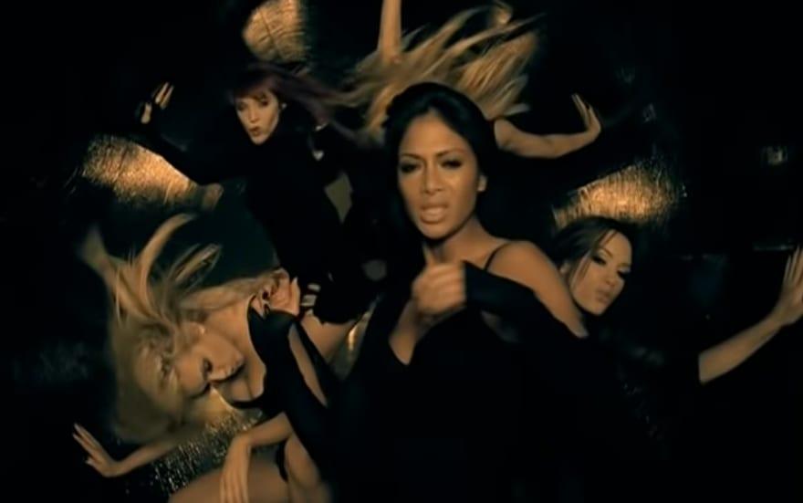 """Foto do clipe de """"Buttons"""", das The Pussycat Dolls com participação do Snoop Dogg."""