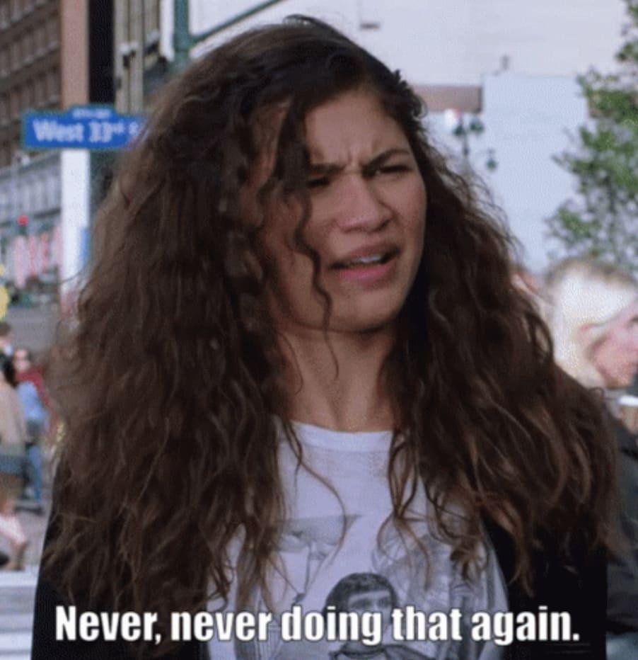 """Zendaya em """"Homem-Aranha: Longe de Casa"""" dizendo: """"Nunca mais vou fazer isso."""""""