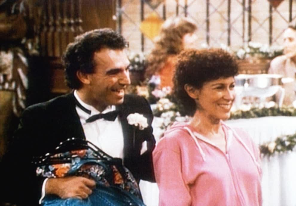 "Jay Thomas and Rhea Perlman on ""Cheers"""