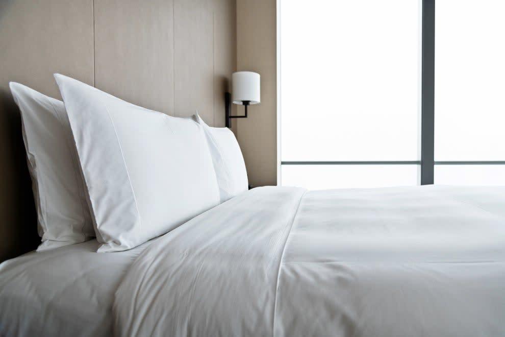 Foto de uma roupa de cama limpa