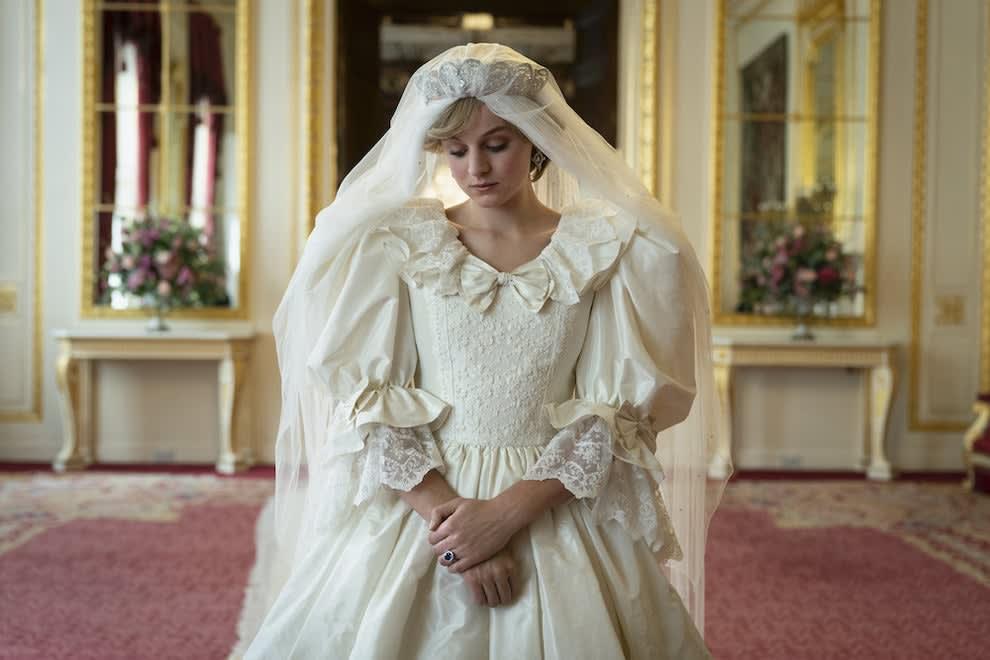 Emma Corrin como Princesa Diana em The Crown