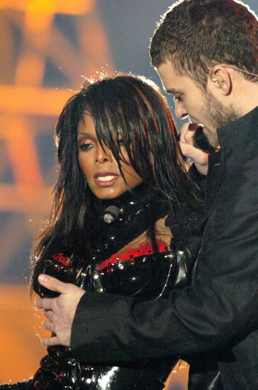 Janet e Justin no famoso intervalo do superbowl