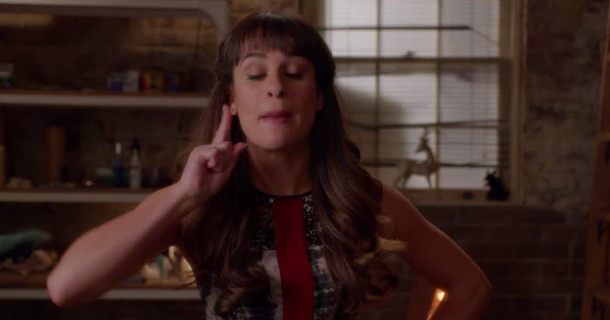 Rachel angrily yells about Santana.