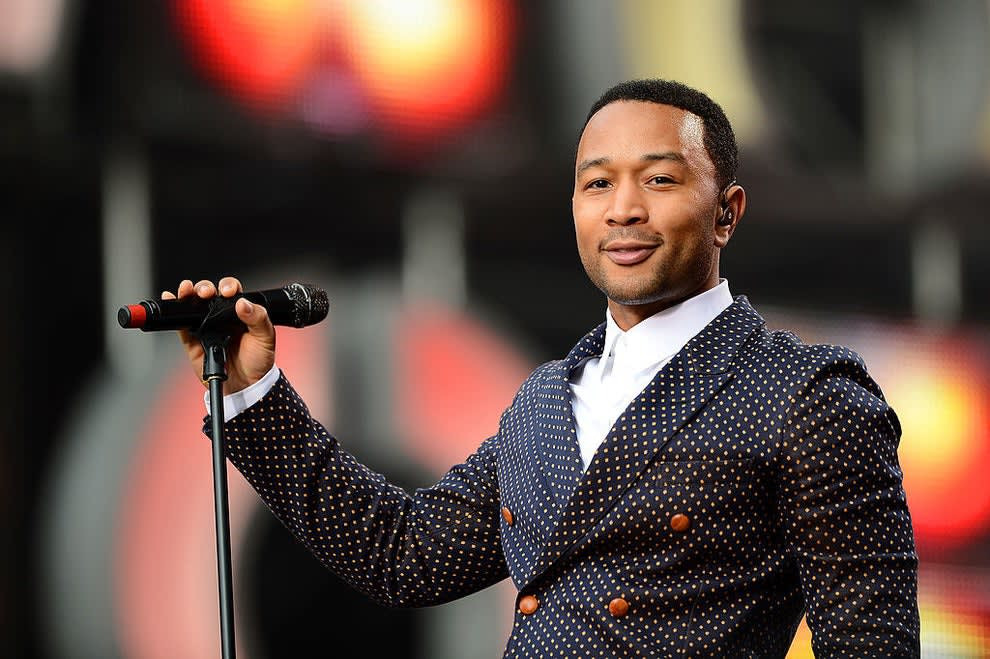 John Legend getting ready to perform