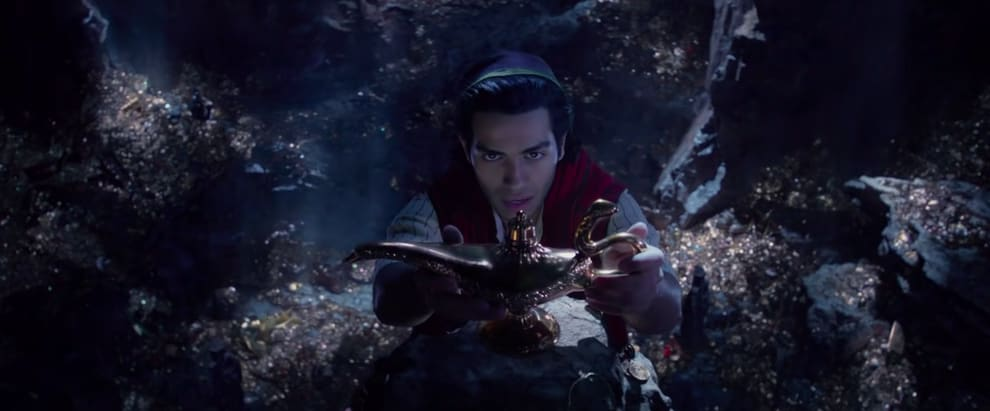 "Aladdin touching the genie lamp in the ""Aladdin"" remake"