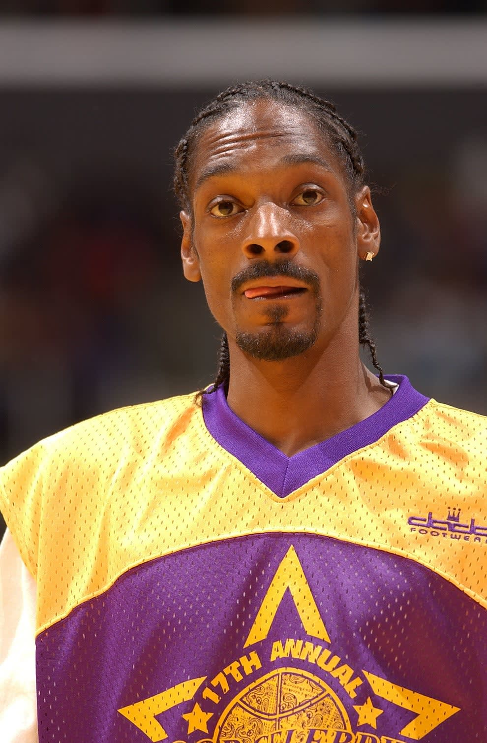 Snoop in a Lakers jersey