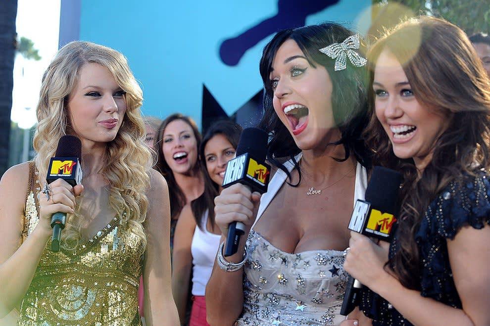 Taylor, Katy e Miley num evento da MTV