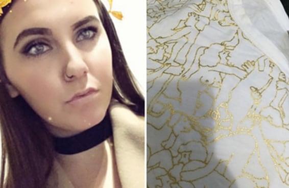 Esta moça ganhou da mãe uma linda blusinha com ESTAMPA DE ORGIA